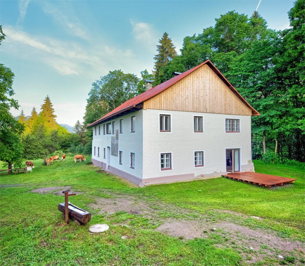 Ferienhaus Maar1 am Goldberg - Außenansicht mit Terrasse